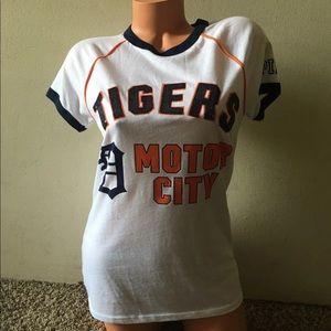 Xs Detroit Tiger's sequin shirt